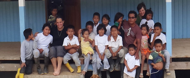 volunteering in the amazon region of ecuador with Yanpauma foundation at the Selvavida project