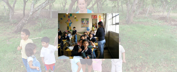 Volunteer teaching in Quito for international volunteers and students