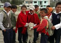 Yanapuma volunteers teach English in a community school in the Andes of Ecuador